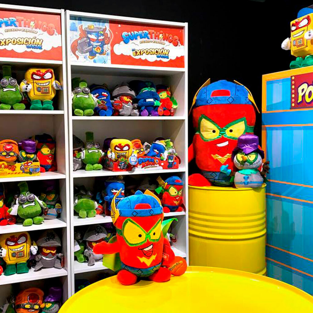 """Alt=""""peluches superthings expo oficial superthings"""""""